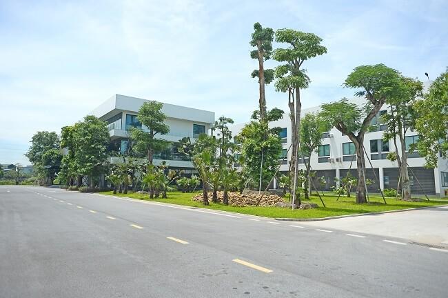 Khuôn viên nhà máy Kính Việt Nhật VSG